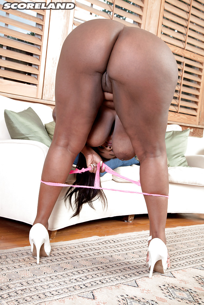 black milf solo - ... Chunky black solo girl Olivia Jackson flaunting big saggy MILF tits and  ass ...