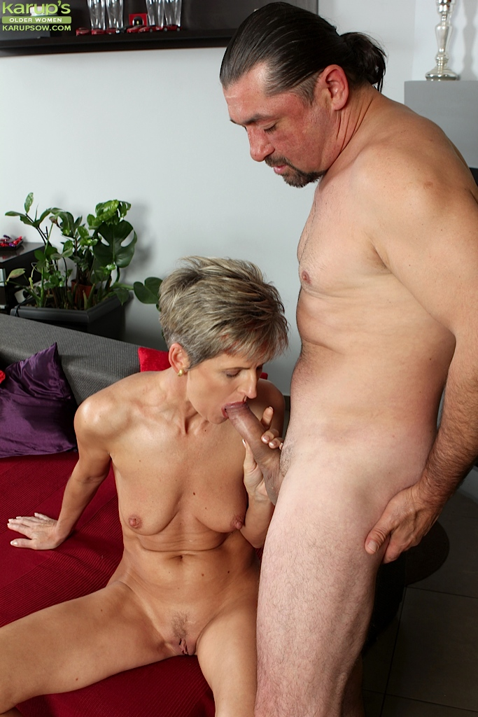 Mature girls blowjob porn photos