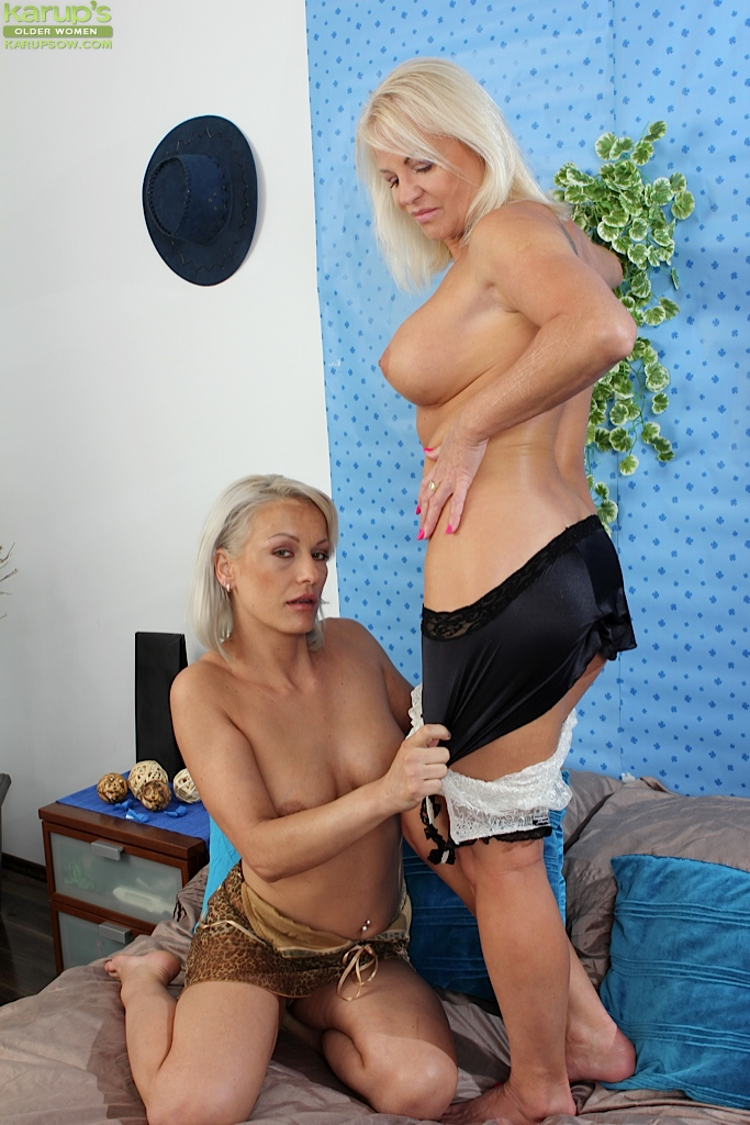 Entspannter mature lesbian with teem vidclips