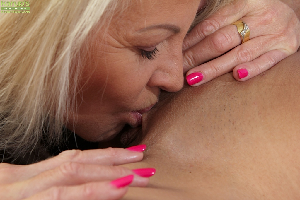 mature kissing pretten porn