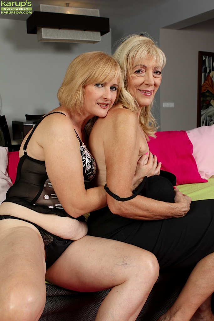 image Horny lesbians lick and fuck their cunts