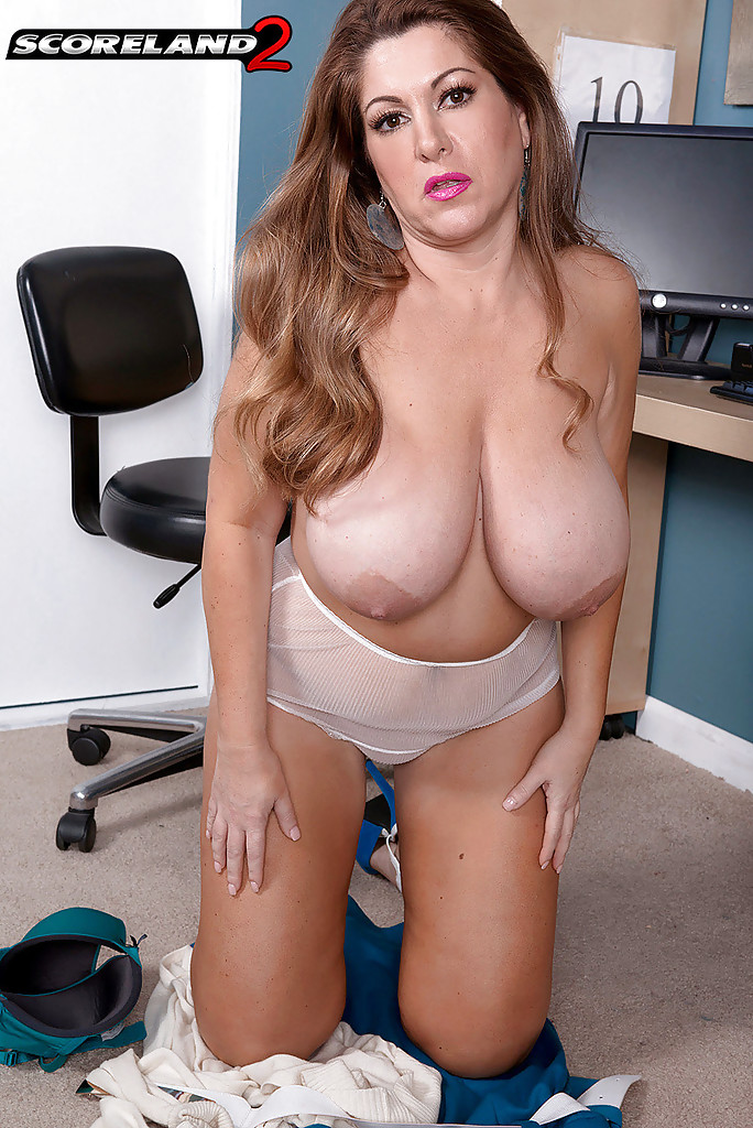 Naked milf and cougar sex