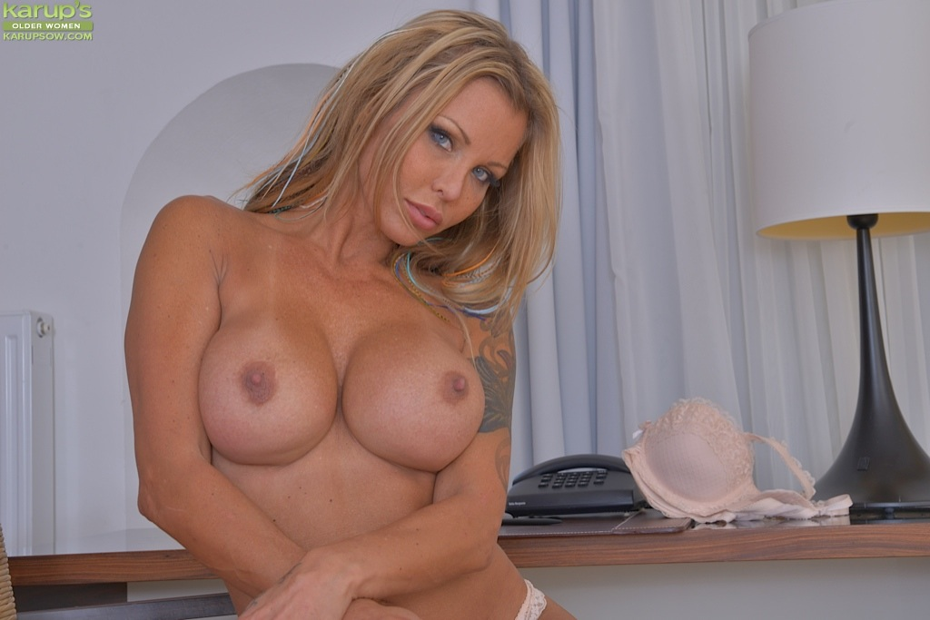 Absolutely assured hot blonde milf solo nice