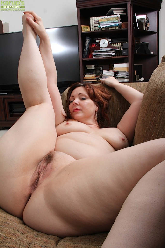 Hairy mature milf ginger