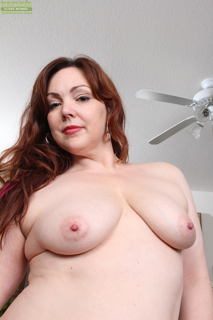 Milf with saggy tits and hairy pussy