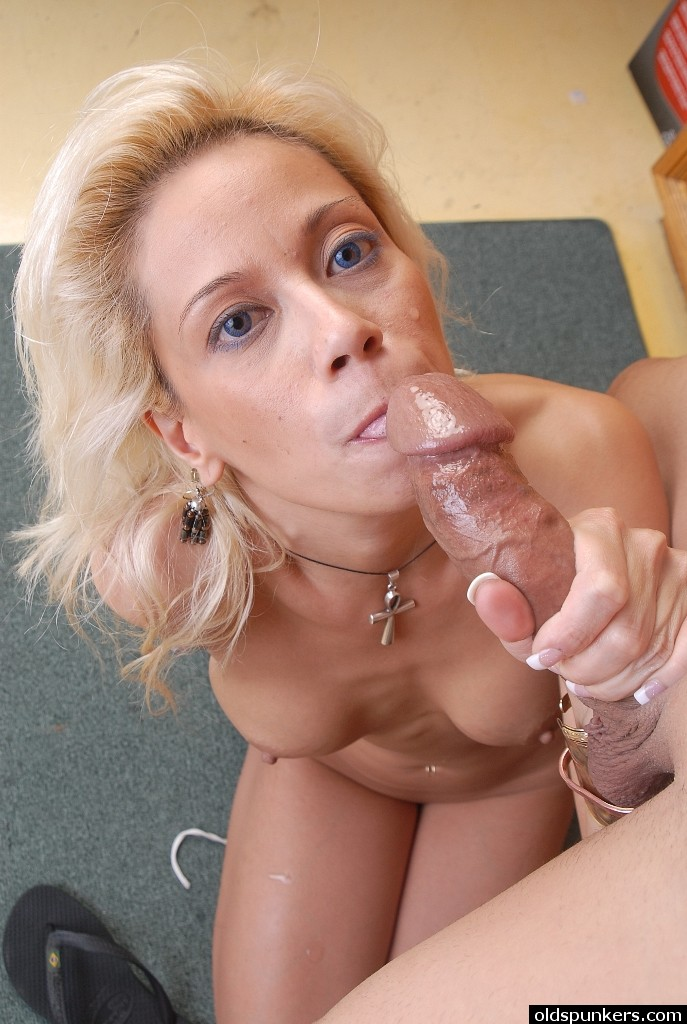 Hard core sex with hand