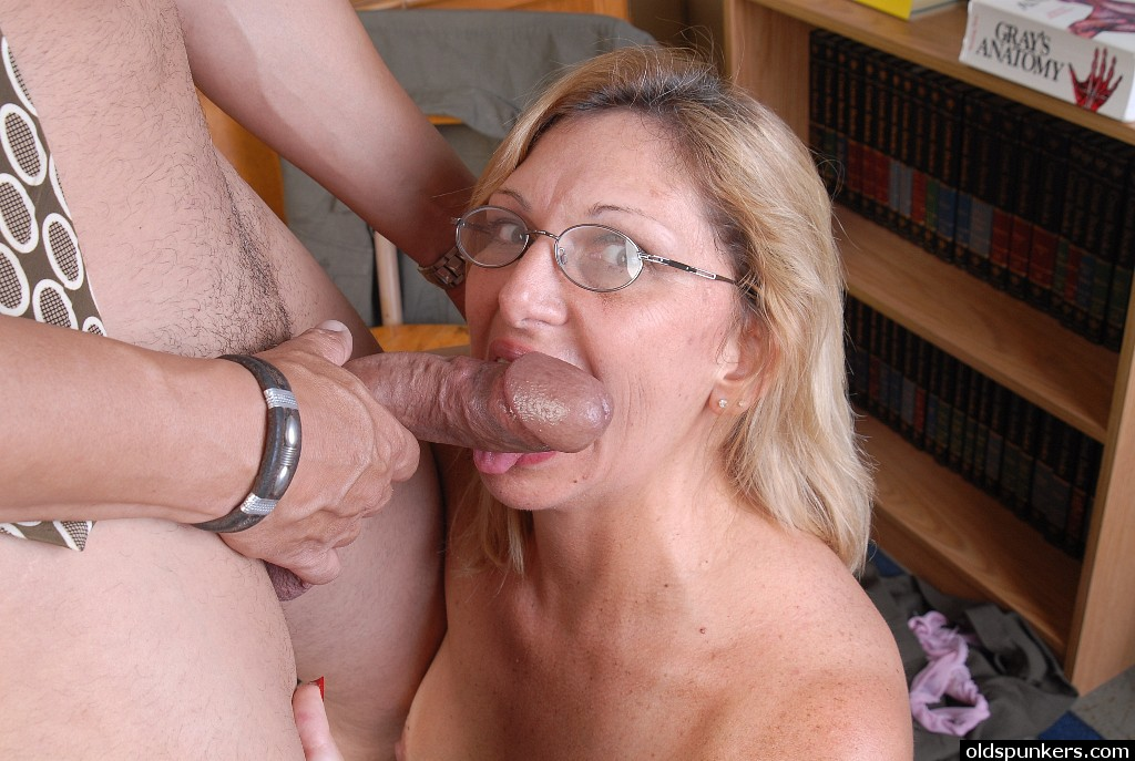 Older women bj in my dodge durango - 3 part 4