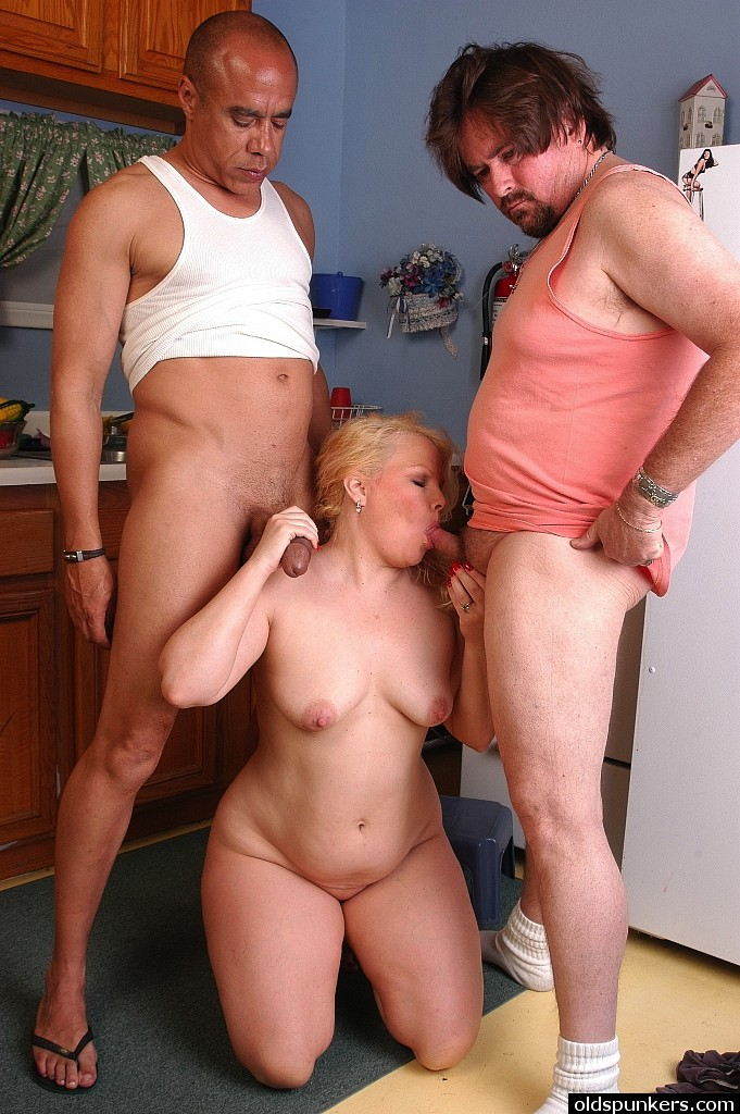 fat threesome sex