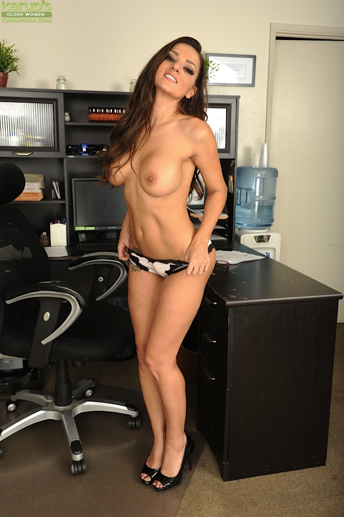 office sologirl
