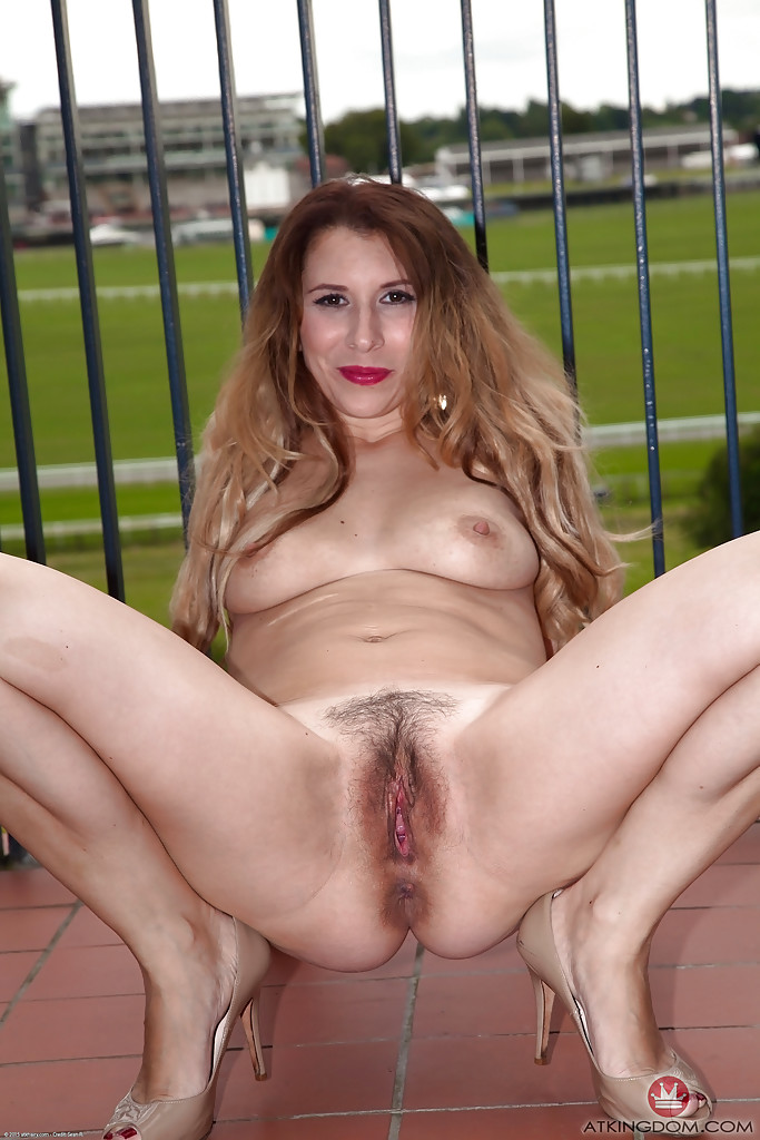 Woman Flashing Pussy