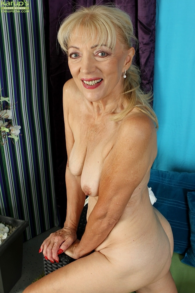 Castle free mature tits pictures