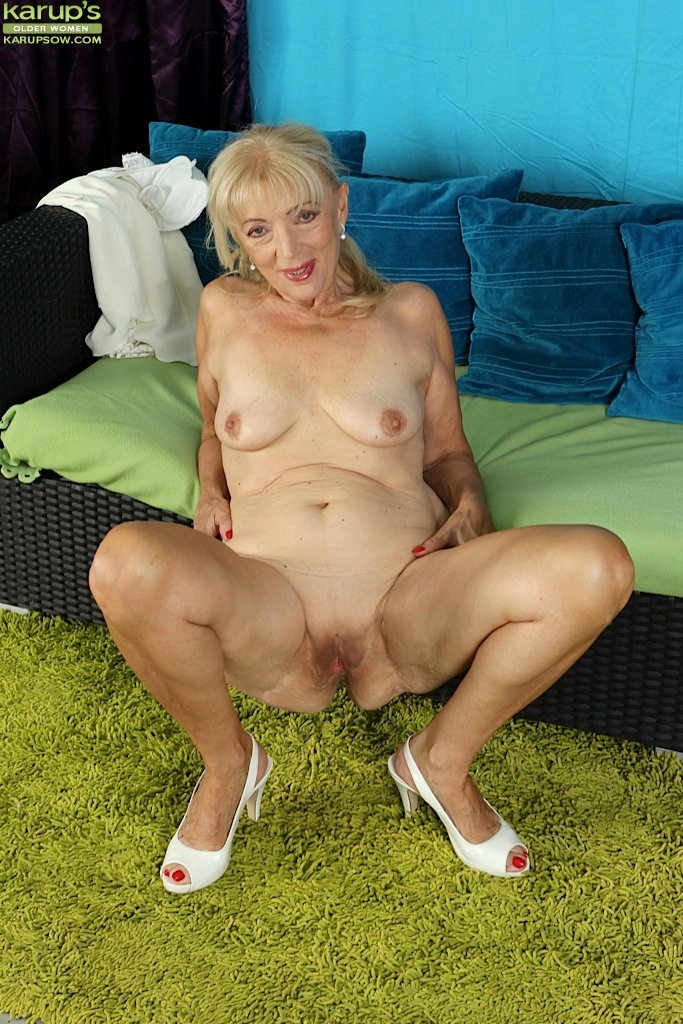 Would like Naked mature granny old pussy saggy tits photos