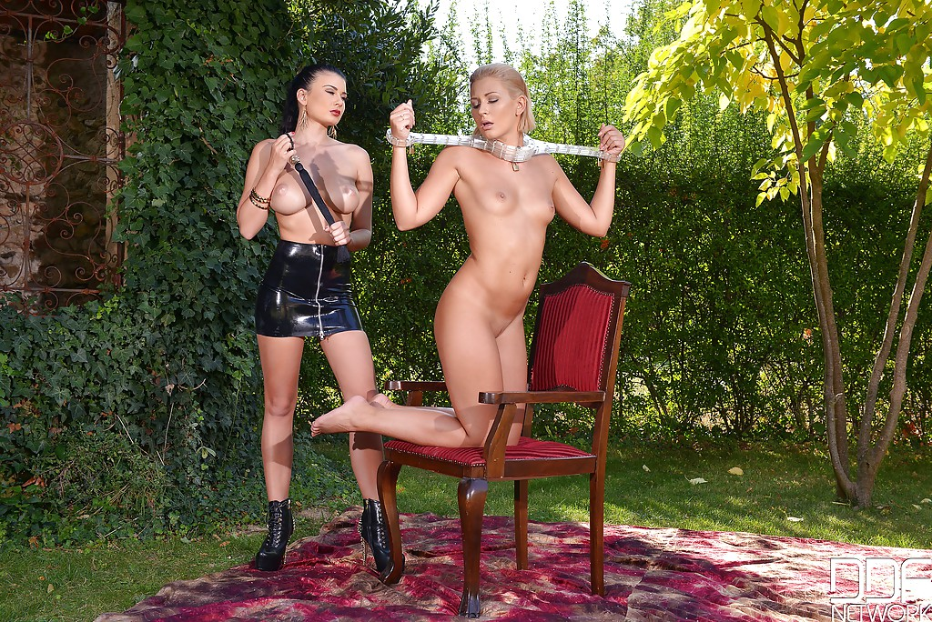 Strapon tracy lindsay and gina devine adult toy lesbian sex - 3 10