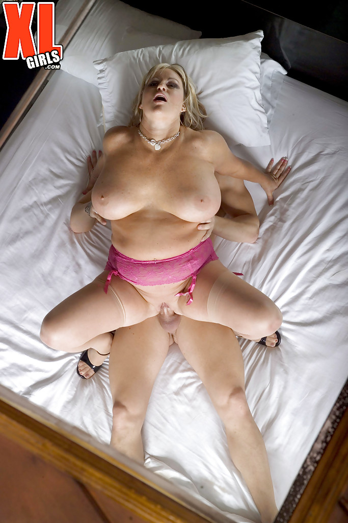 Hot Big Tited Milf