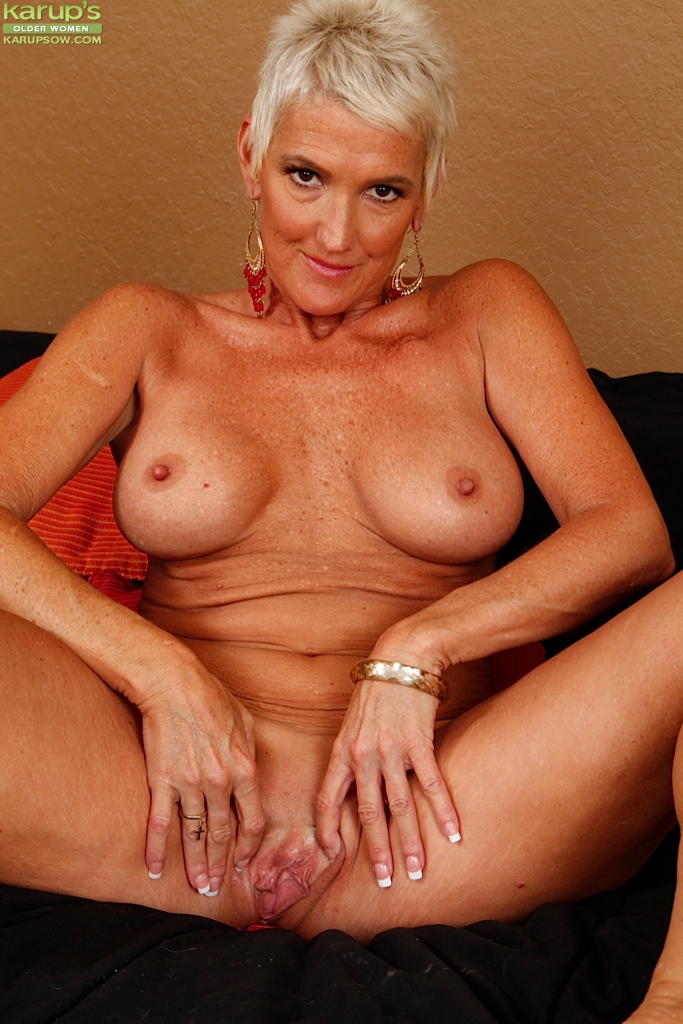 hot girl big boobs naked white blonde hair