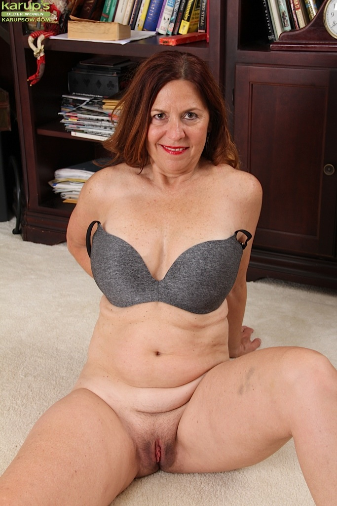 Mature woman liking puffy nipples clips
