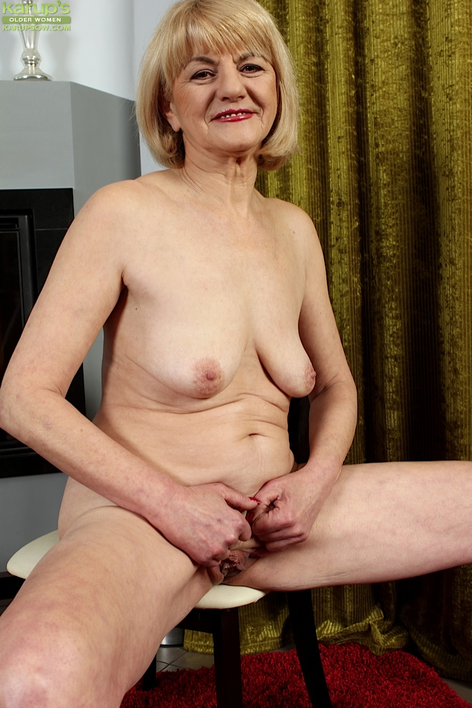 Small saggy mature