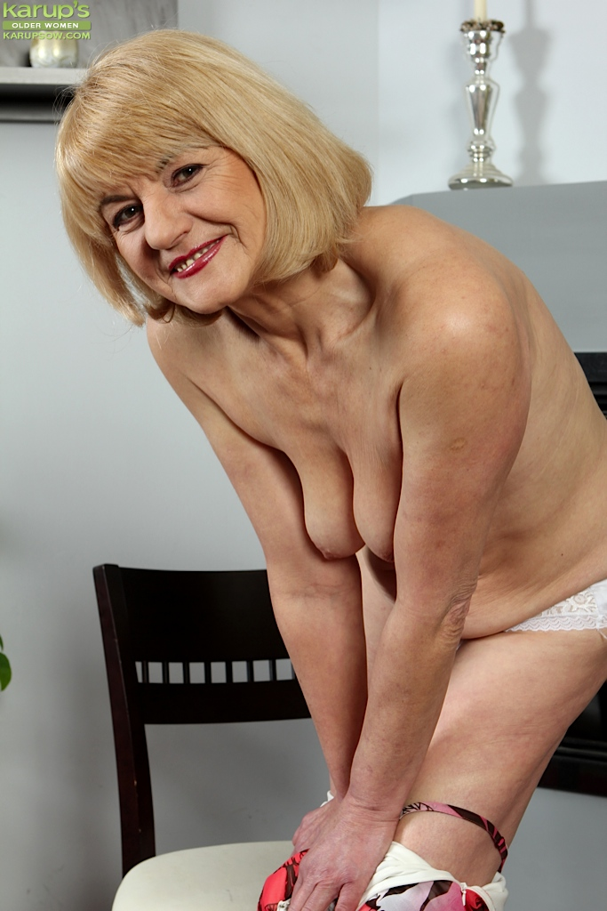 Hope, old woman with saggy tits