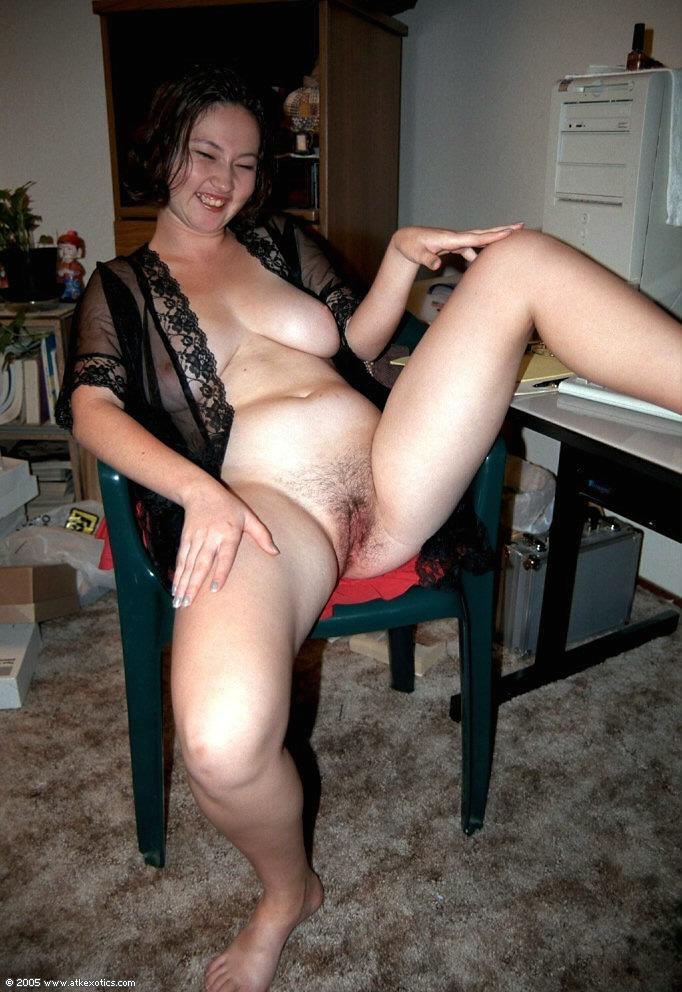 Young nudist grils haveing fun