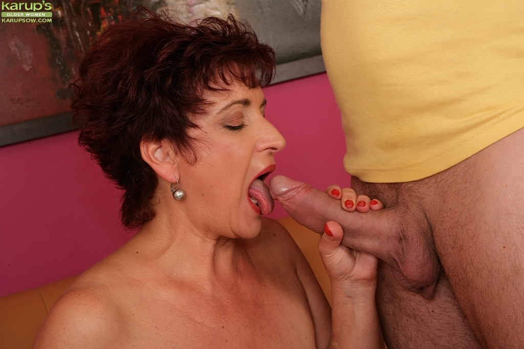Mature masturbating solo matures