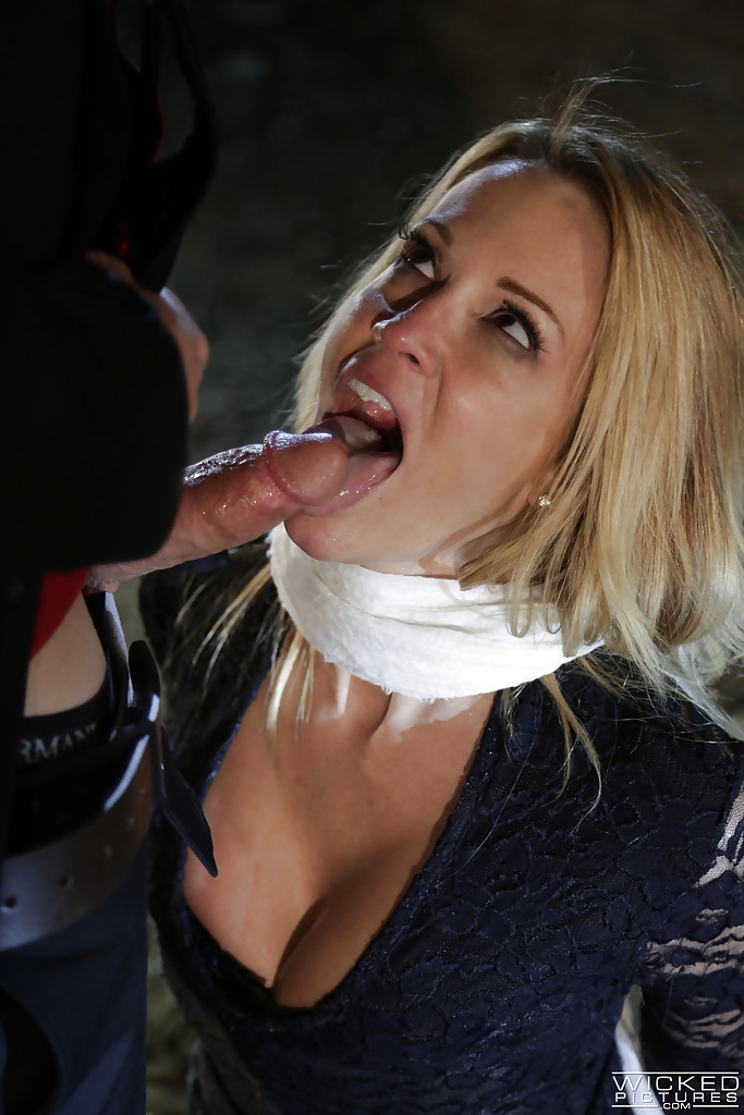 Blowjob College Party Swallow