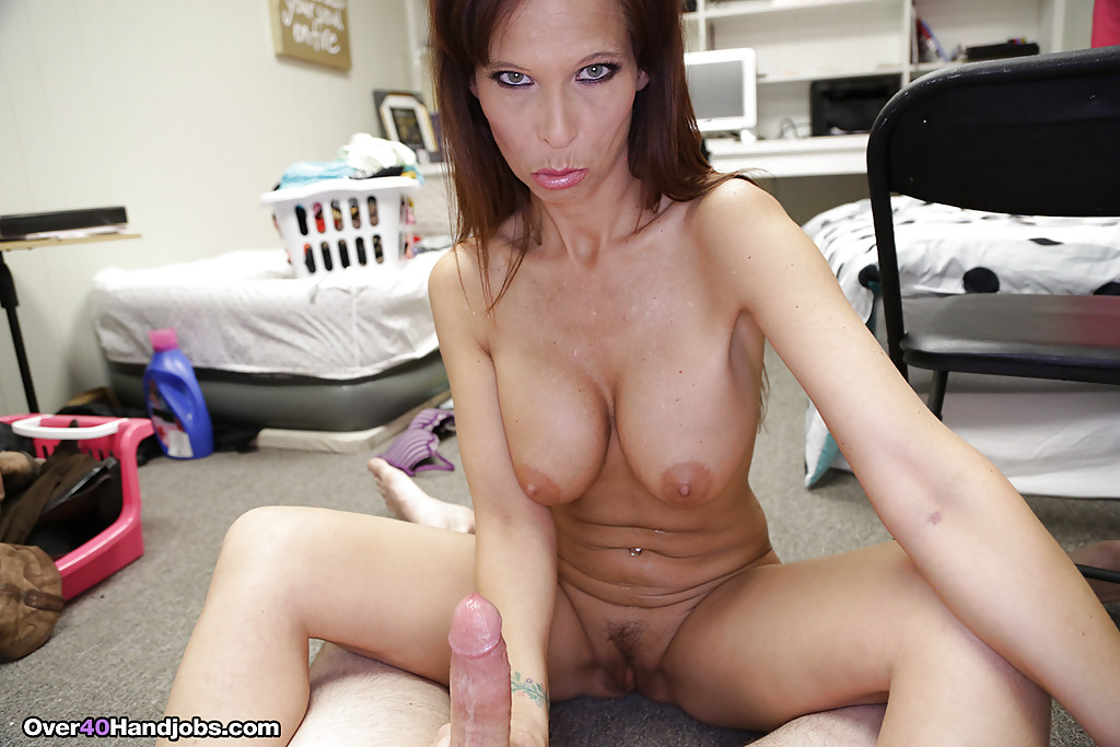 bella blaze playing with herself and showing her huge tits