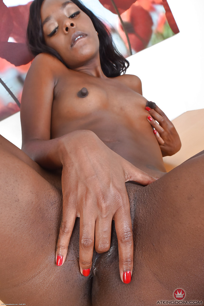 ebony-masturbating-xxx-fox-strip
