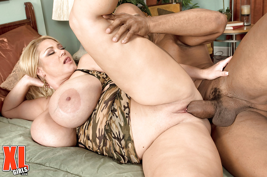 Bbw with huge jiggly knockers cumming hard