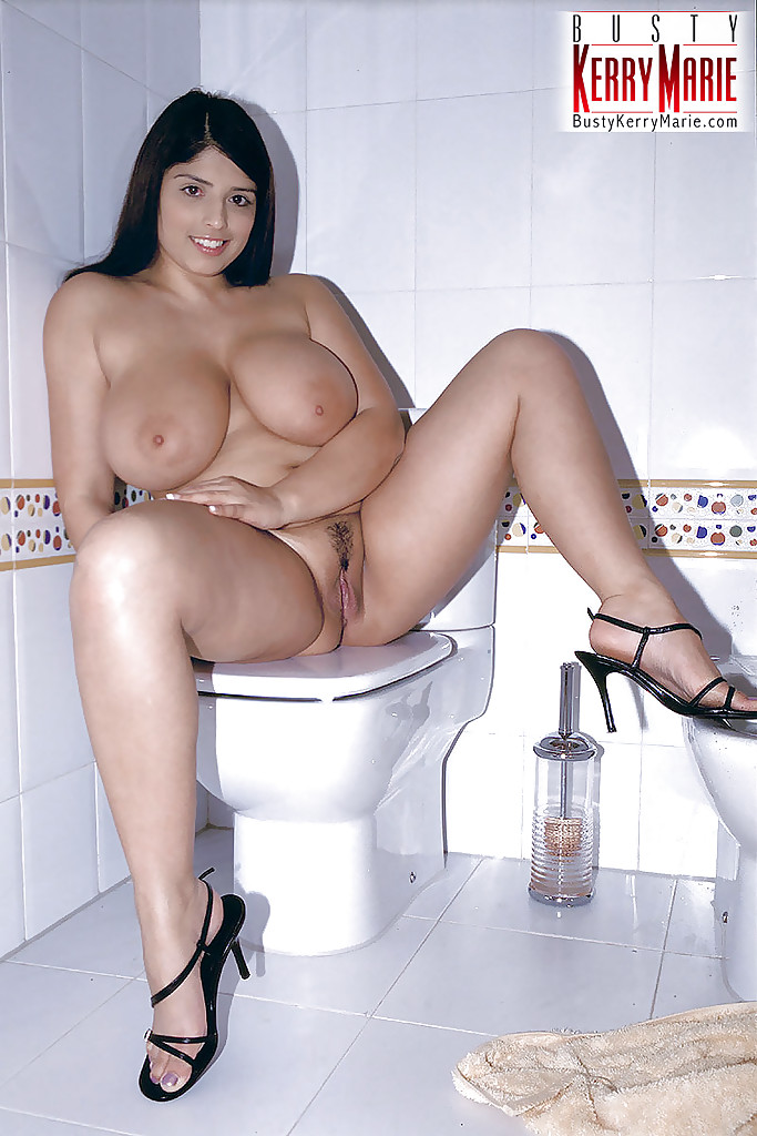 Busty bbw on toilet