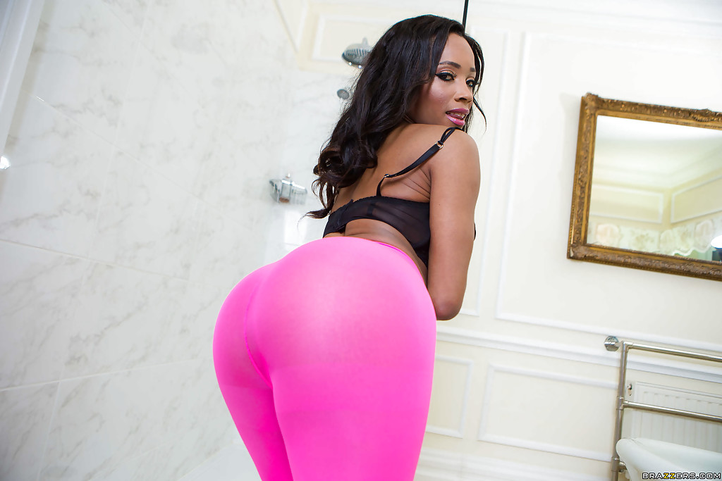 Ebony Yoga Pants Porn