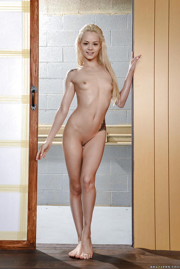 Tiny babe elsa jean fingers her hairy pussy - 2 2