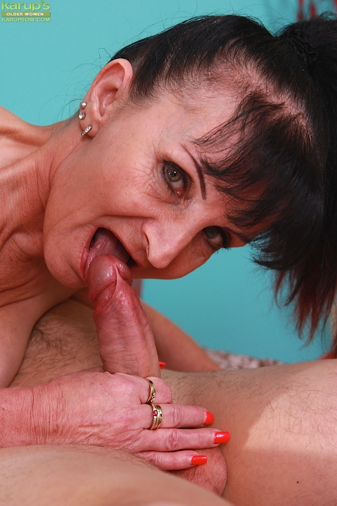 Older women deep throat, sex videos no credit cards