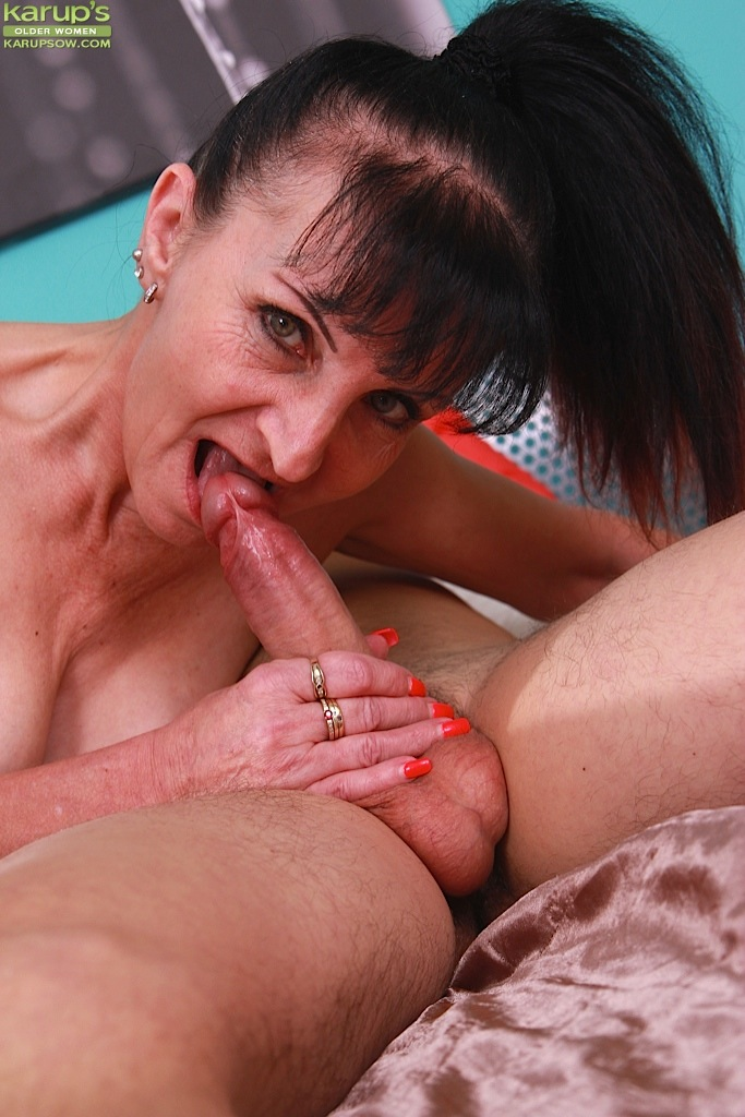Deepthroat mature woman this