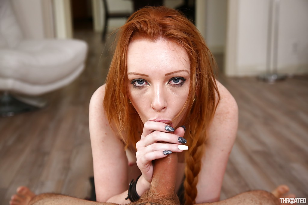 Peris hilton makes a blow job