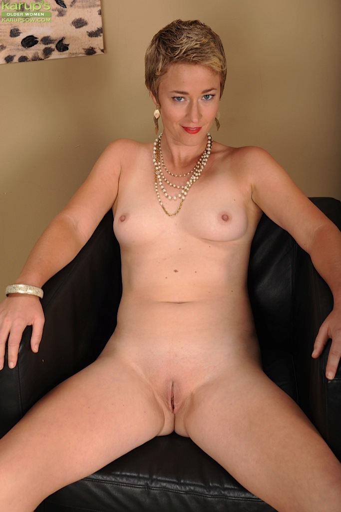mature nude short chicks