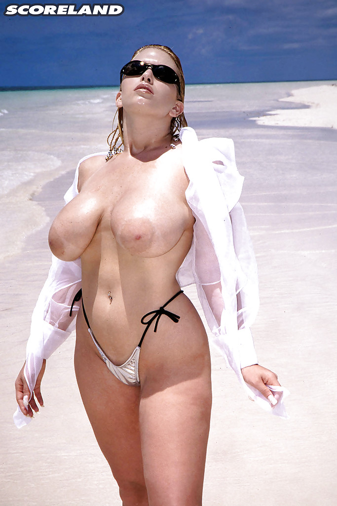 Mature big floppy wet tits 14
