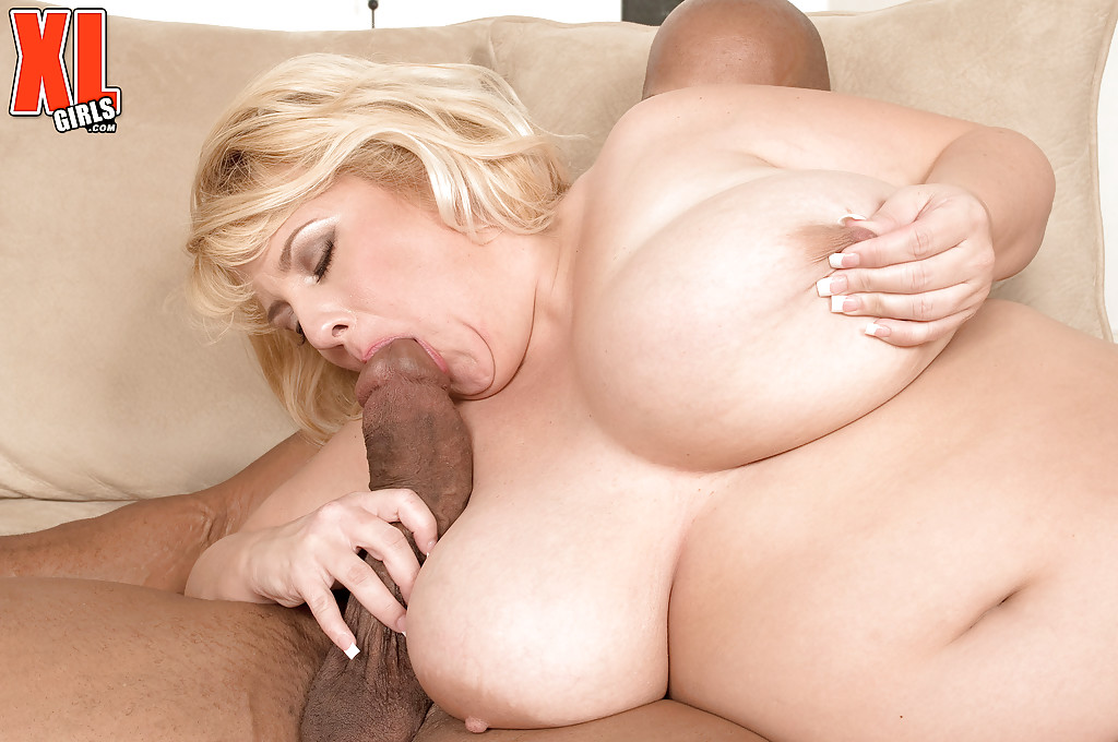 Bbw with big boobs blows