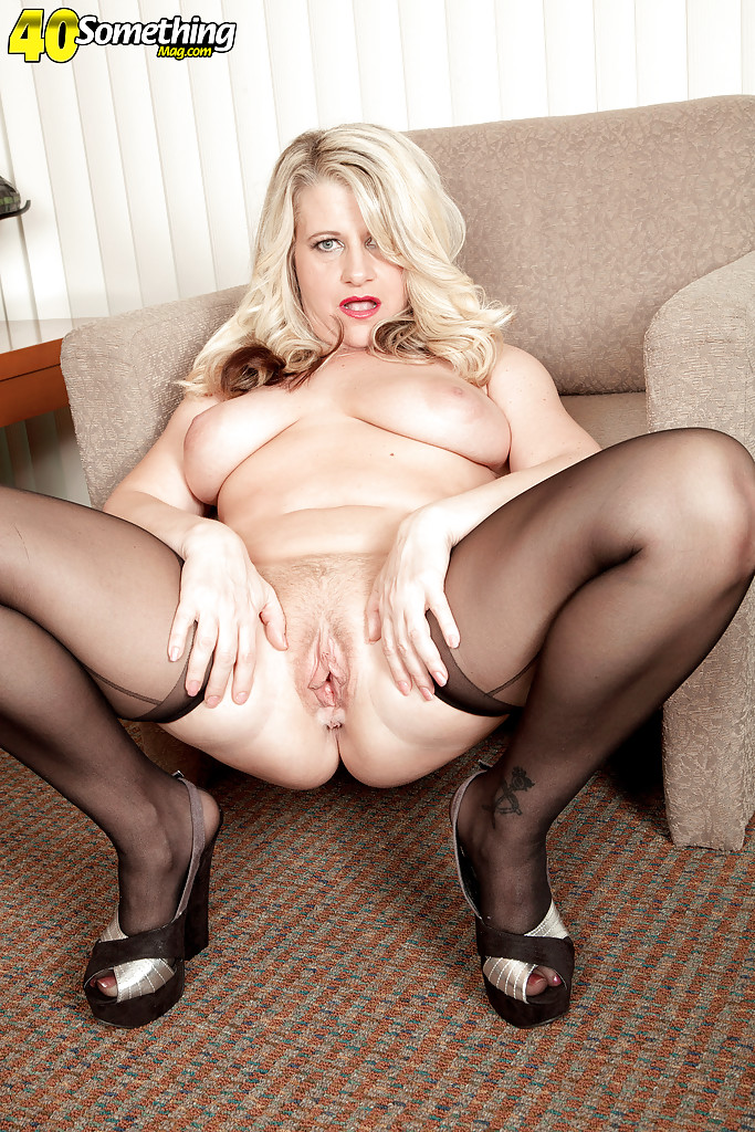 fat over milf mona hawght modeling in stockings for