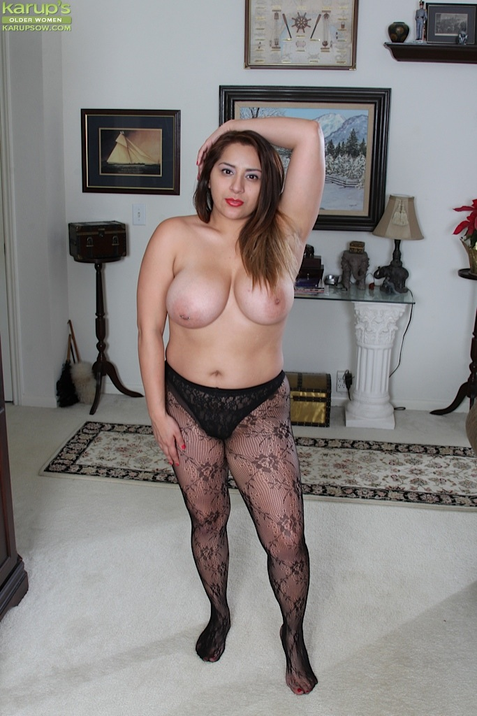 Milf stocking handjob movies