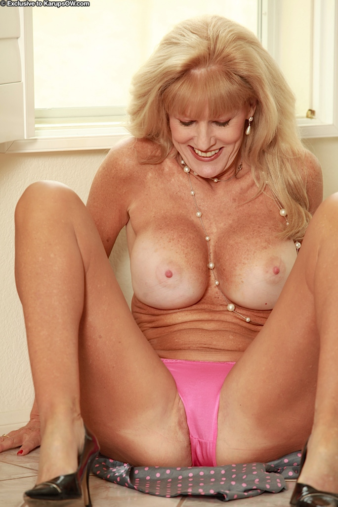 Big tits mature women videos ready help