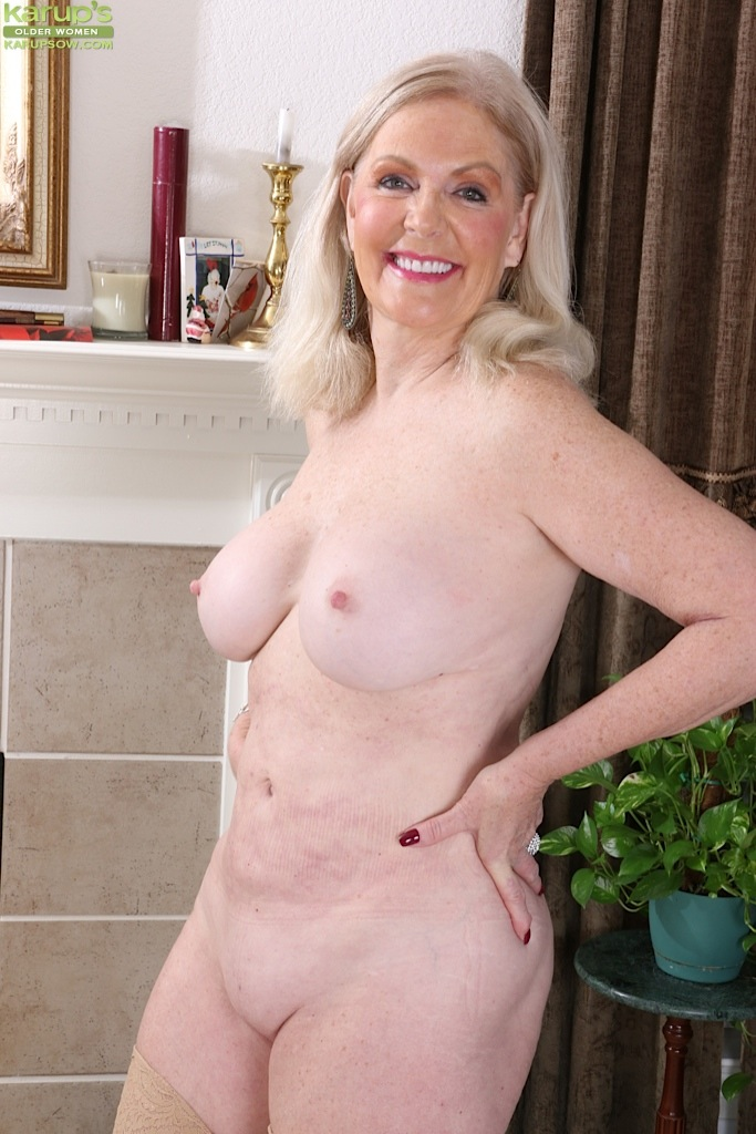 Mature erect tits