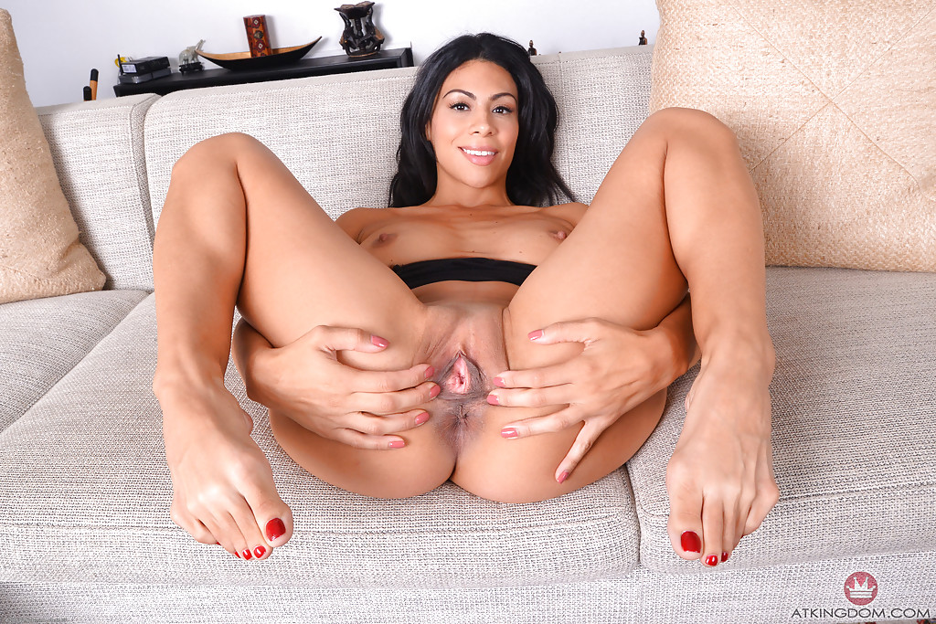 Exotic Babe CasSandra Cruz Nibbles Her Tongue On An Fantastic White Cock