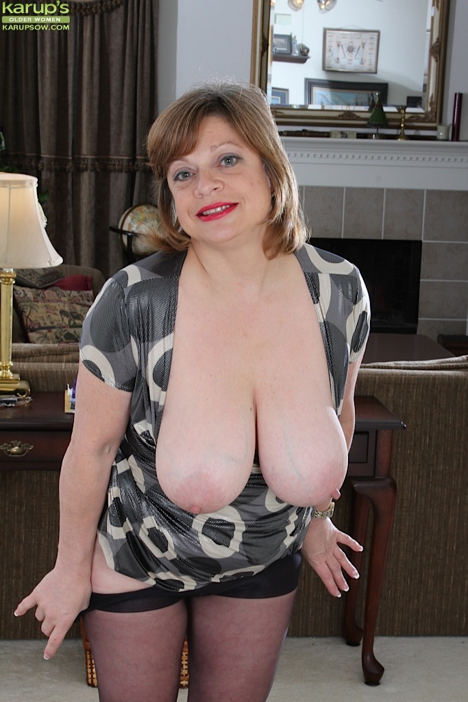 Big mature hanging tits