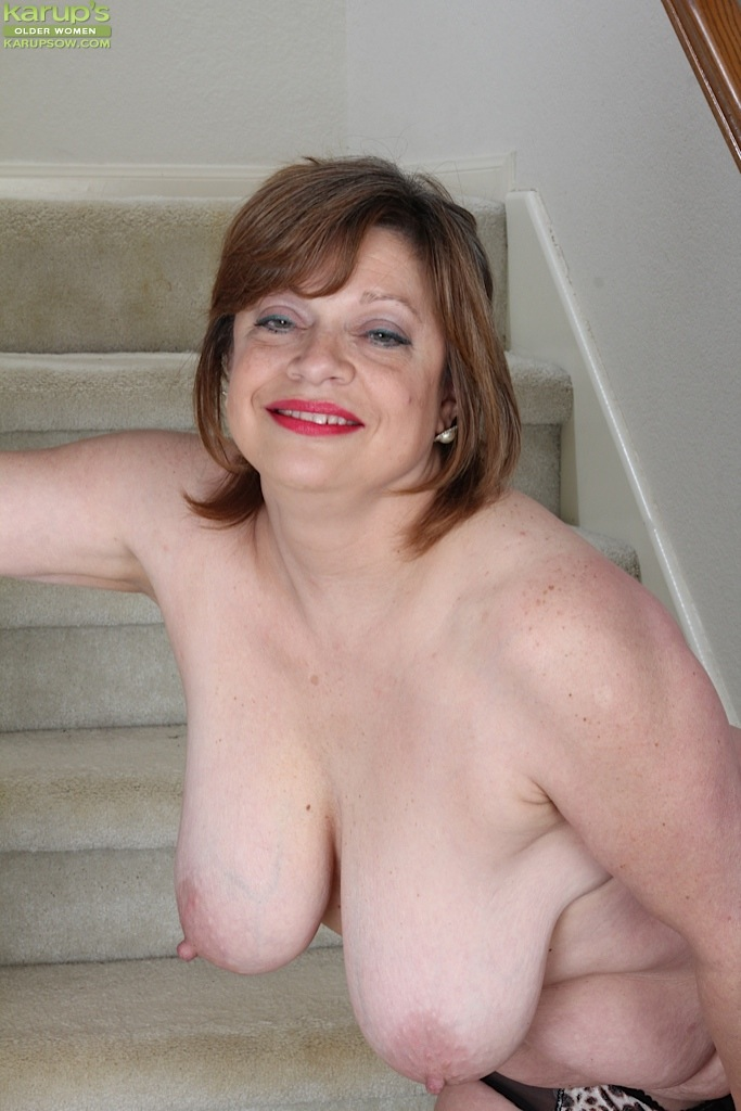 Kathy email pussy - 2 part 1