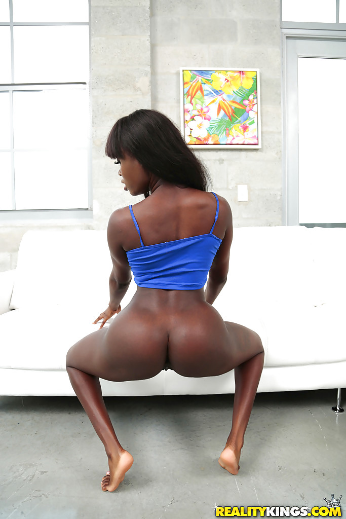 yoga pants ebony porn