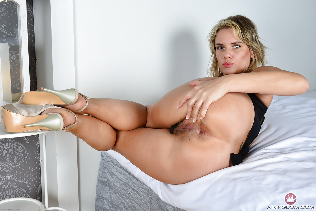 Suggest bbw blonde milf nude butthole are