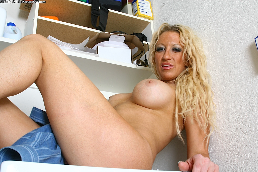 Xhamster mature lesbian caning