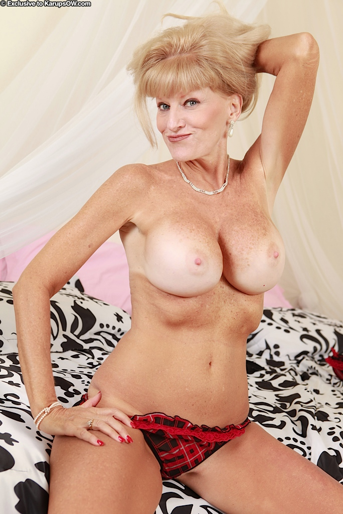 Cam vidio of mature women