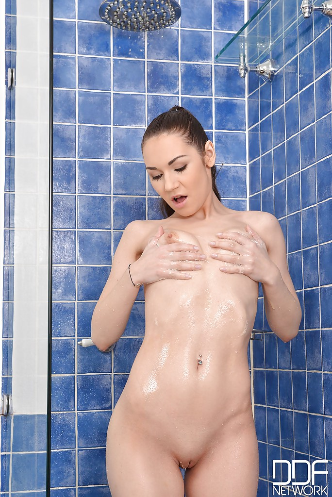 Porn mother and daughter lesbian