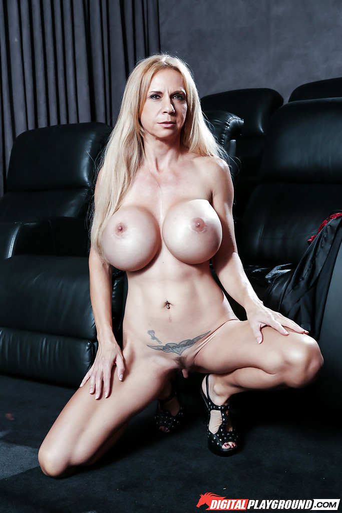 Porn star having her big tits expansioned to huge xxl sized boobs